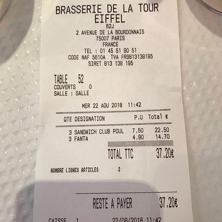 Brasserie De La Tour Eiffel: Le prix est honteux pour seulement 3 sandwichs et 3 fanta !!!!