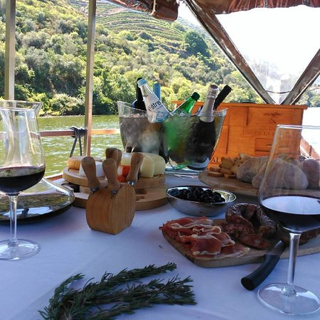Douro Vintage boat trips
