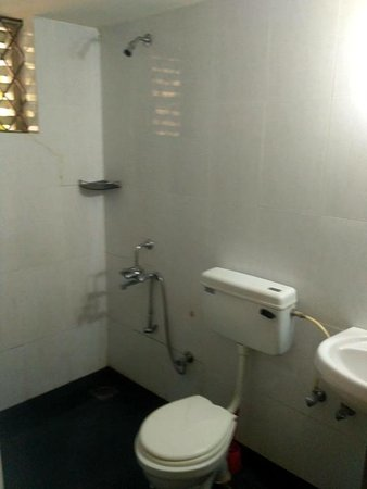 Anjuna, Indien: Bathroom