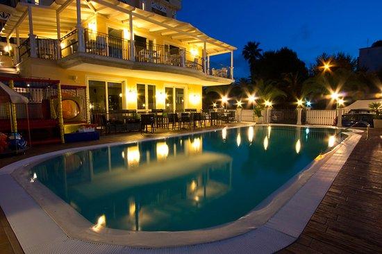 Beautiful Hosts At Hotel Mocmbo Review Of Hotel Mocambo San Benedetto Del Tronto Italy Tripadvisor