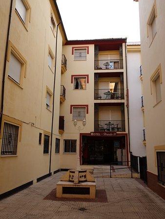 Il cortile dell'Hotel Arunda II