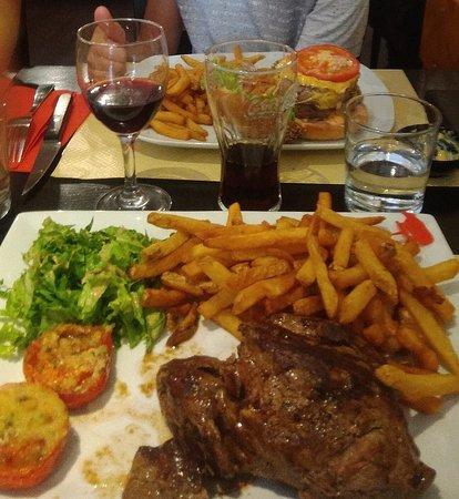 Saint-Martin-en-Haut, فرنسا: Burgers & Poire 500gr
