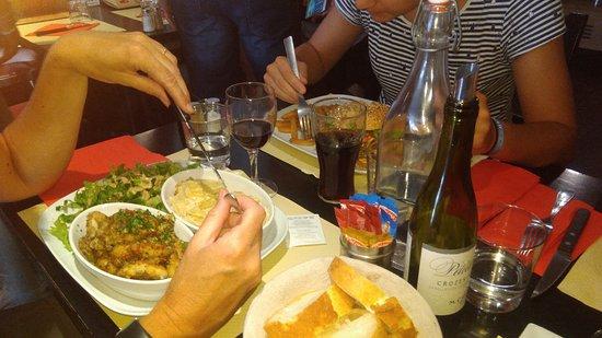 Saint-Martin-en-Haut, فرنسا: Grenouilles & Burger