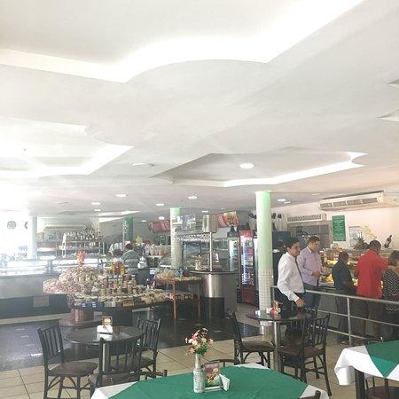 Naque: Ambiente interno do restaurante.