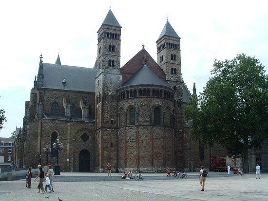 Basilica of St. Servatius: La basilica
