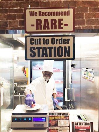 Ikinari Steak Broadway : The order window.
