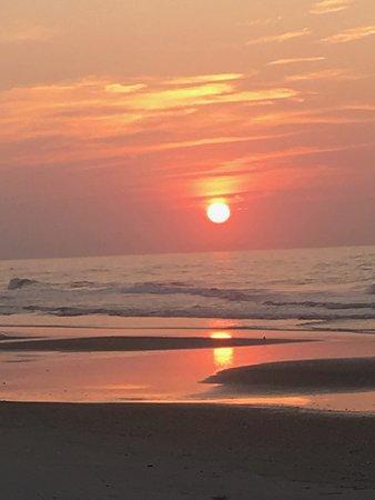Побережье Северной Каролины, Северная Каролина: sunrise on North Core Island, Long Point Cabins