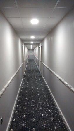 Eccles, UK: hotel room coridor