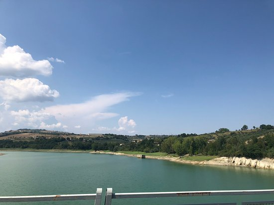 Awaiting a deluge - Review of Lago di Penne, Penne, Italy