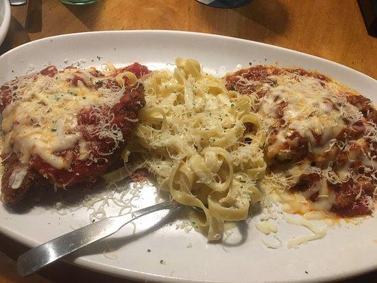 Olive Garden: filet a parmegiana, macarrão ao molho branco e lasanha.