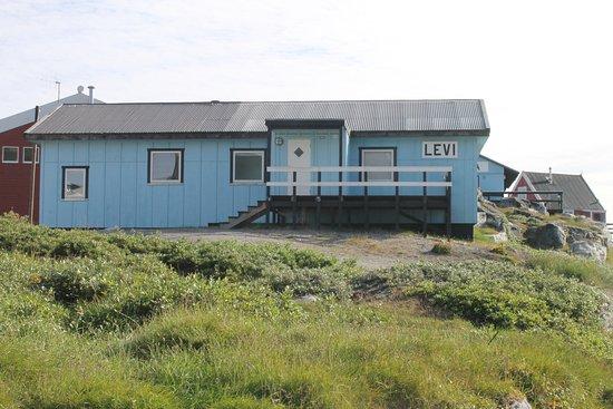 Qeqertarsuaq, Greenland: Batiment Levi