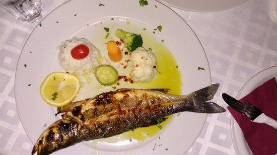 Restaurant Tropicana: Sea bass (lavraki) - generally good, but over-salted
