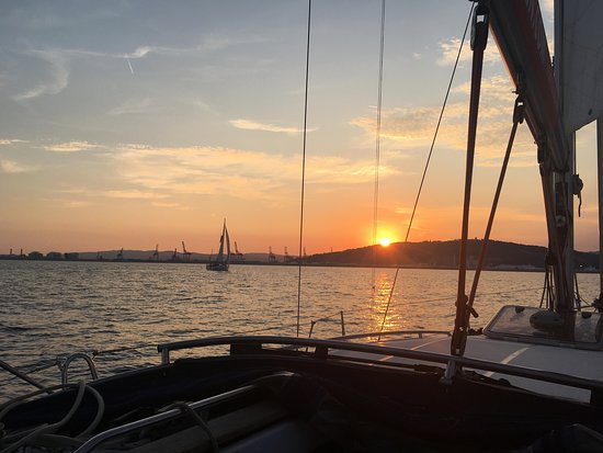 Sunset Sailing Experience from Port Vell in Barcelona: Sunset