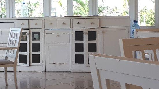 Los armarios del comedor - Picture of Melia Las Dunas, Cayo Santa ...