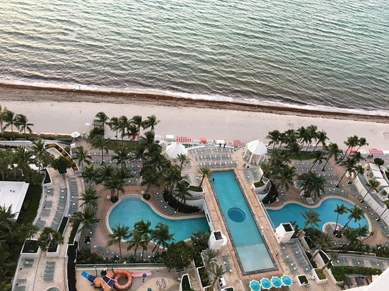 Ideal getaway in beautifully designed hotel with great beaches and pools