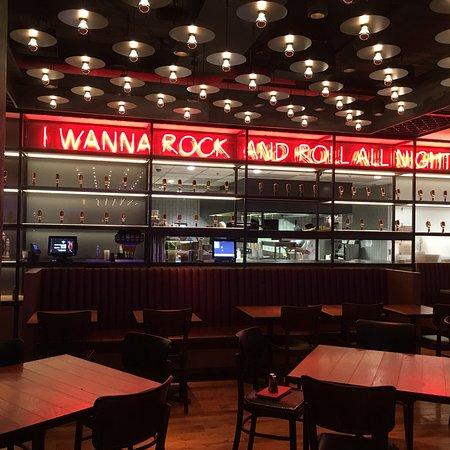 Hard Rock Cafe: photo0.jpg