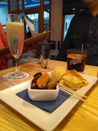Golfo Vermuteria & Casual Food: Vermut, cava y pinchos exquisitos