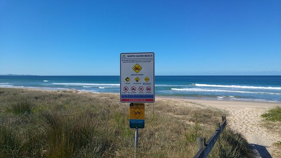 North Haven, Australia: Beware of snake signs!