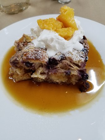 Schultzville General Store & Cafe: Sunday brunch included blueberry peach bread pudding