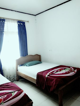 West Sumatra, Indonesia: Single bed