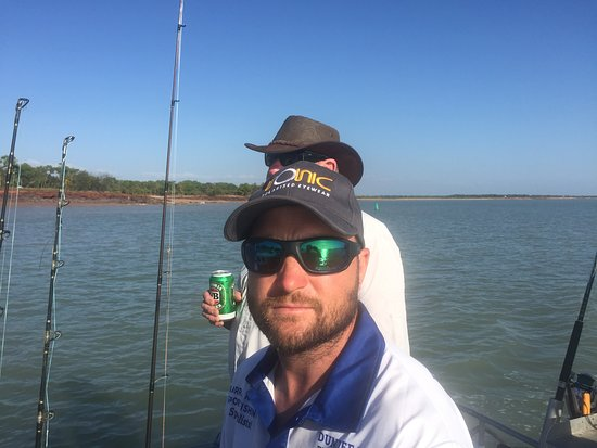 Dundee Beach Fishing Charters: Out on the water with Matt