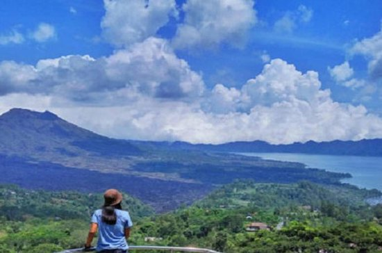 Cosmo Bali Package Tour: Lovina...