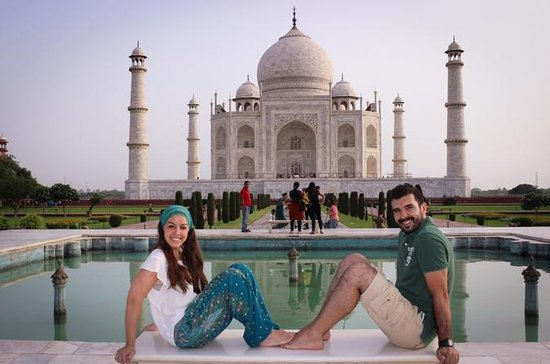 Private Full-Day Taj Mahal Sunrise and...