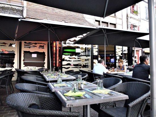 L'Odyssee: La terrasse côté restaurant