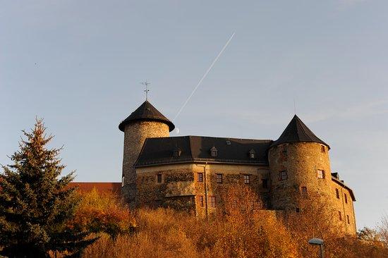 Oelsnitz/Vogtland, Germany: Schloß Voigtsberg im Herbst