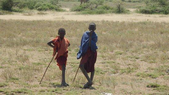 Africa Safari Experts Day Tours: Junge Massaai