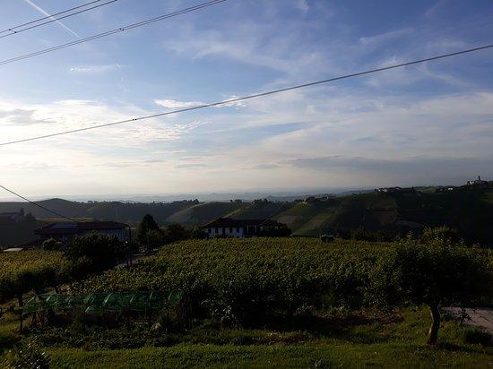 Camo, Italia: Panorama dalla camera