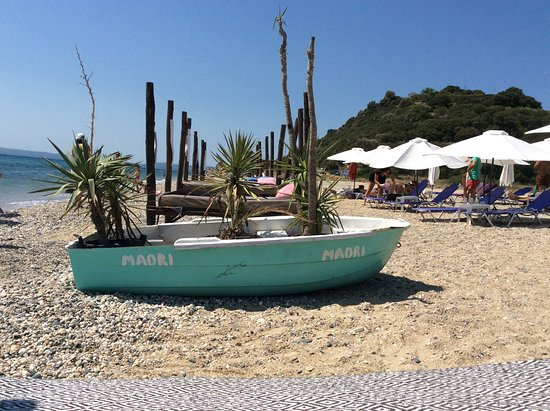 Gomati, Hellas: A touch of character
