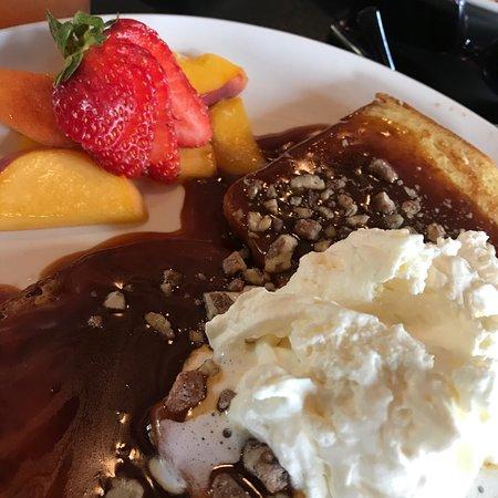 Berthoud, Κολοράντο: Praline Pecan Cinnamon Swirl French Toast