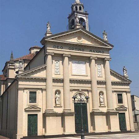 Parrocchia Santi Giacomo e Filippo Apostoli