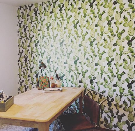Our Interior Designer Dana S Craft Room Updated Amazing With Tempaper Picture Of Time For Decor Green Bay Tripadvisor