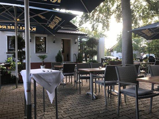 Schifferstadt, Jerman: draußen sitzen
