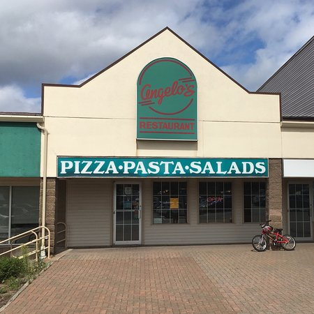 Quispamsis, Canada: Angelo's Pizza