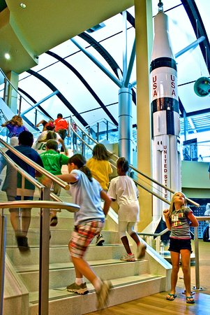 INFINITY Science Center: Kids on stairs
