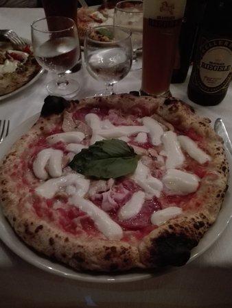 Pizza Riccia.