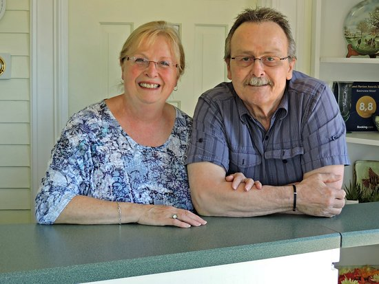 Smith's Cove, Καναδάς: Owner and operators; Phyllis and Martin Vree