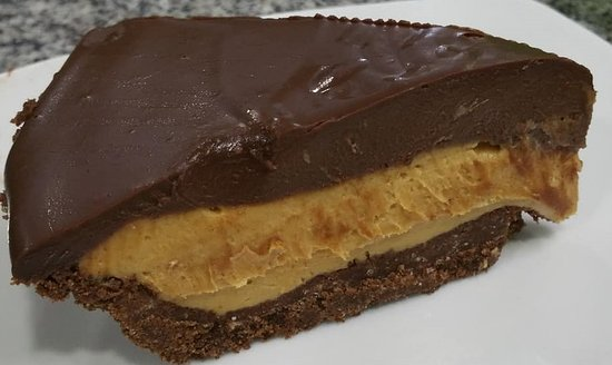 Alto Boquete, Panama : Chocolate Peanut Butter pie