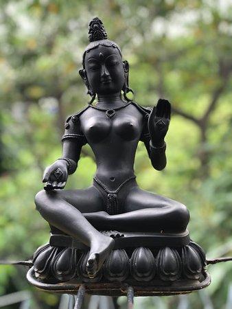 Sathira Dhammasathan