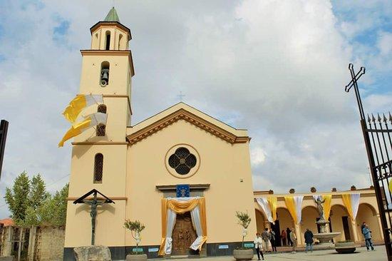 Джульяно-ин-Кампания, Италия: Santuario della Madonna delle Grazie