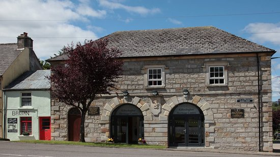 County Leitrim, Irlanda: Kiltyclogher Heritage Centre where you can book a tour to the cottage