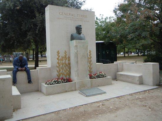 Monument au Général Gustave Ferrié