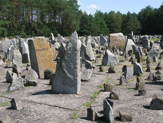 Treblinka, Polandia: Representación de los pueblos masacrados-1