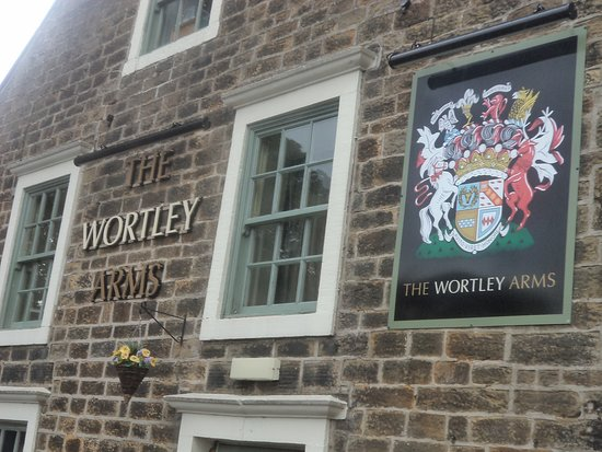 The Wortley Arms: Exterior of pub.