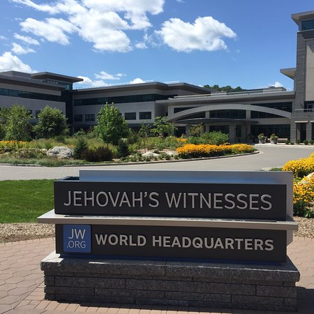 World Headquarters of Jehovah's Witnesses (Tuxedo Park