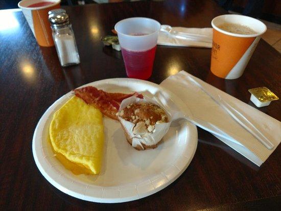 Cobblestone Inn and Suites Marquette, IA/Prairie Du Chien: Breakfast