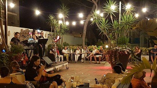 "Hotel Aromar: Concert at the ""terraseta"""